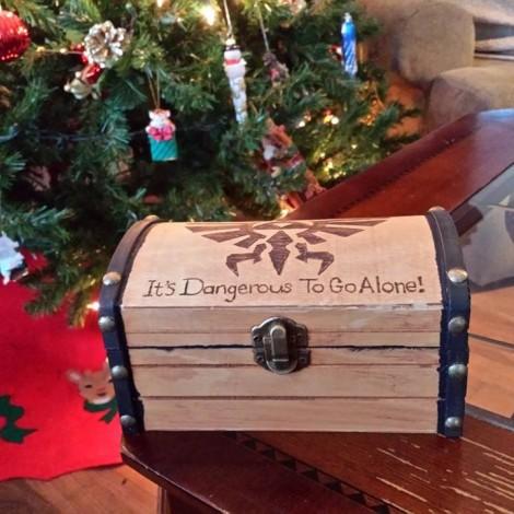 Legend-of-Zelda-Treasure-Chest-Engagement-Ring-Box